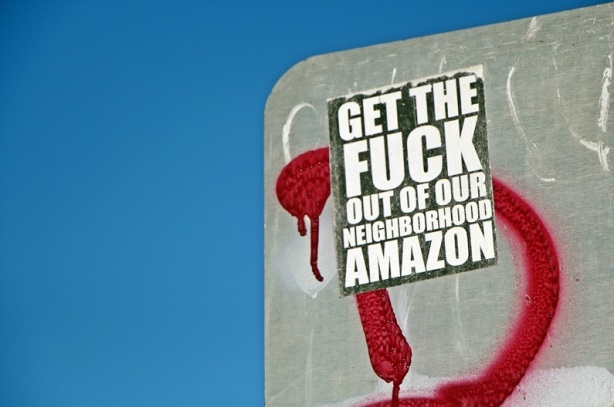 Anti-Amazon_sticker